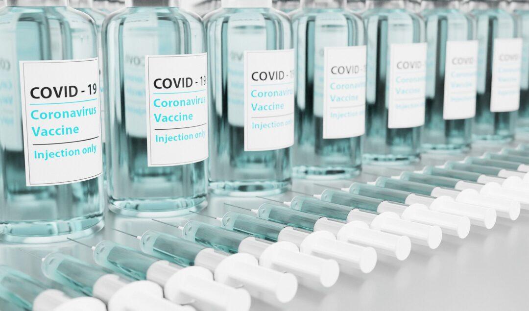 Odmowa poddania się szczepieniu na COVID-19 a konsekwencje dla pracownika